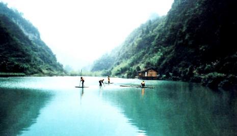 拓展培训基地位于风景秀丽的国家aaa级风景区泗溪